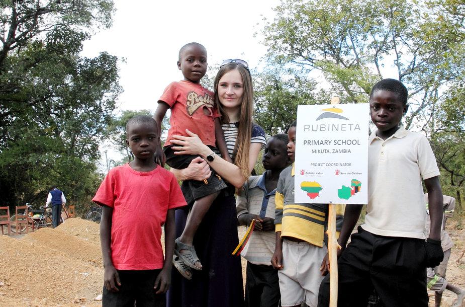 Mikutos kaimo gyventojai Zambijoje