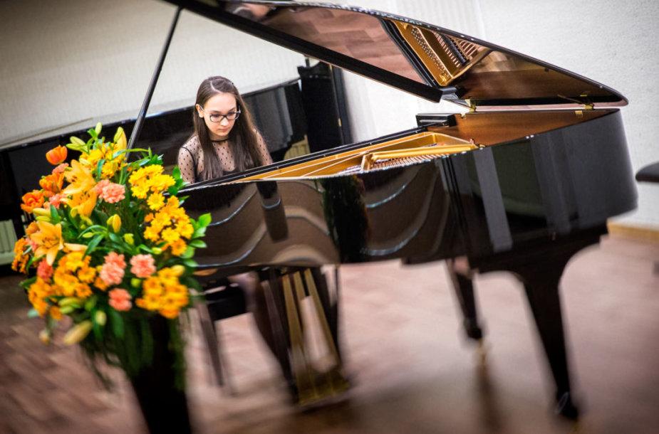 X Tarptautinis Balio Dvariono jaunųjų pianistų ir smuikininkų konkursas