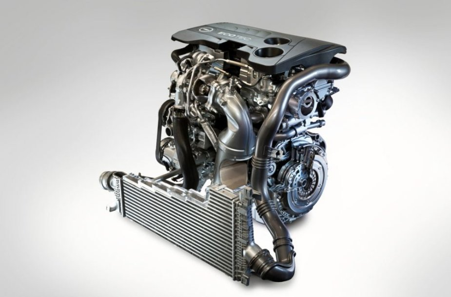 """1,6 l. """"Opel"""" variklis su turbina"""