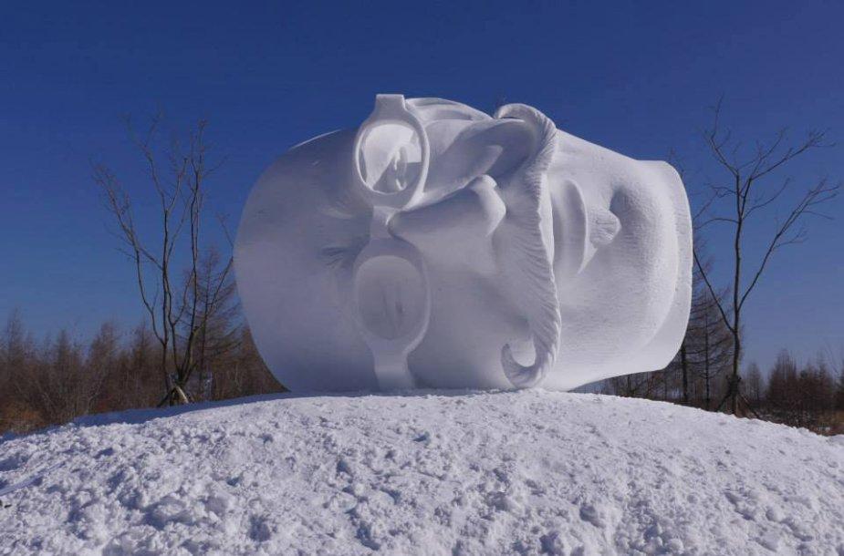 Kinijoje tirpsta Martyno Gaubo ir dar dviejų skulptorių iš Lietuvos ūsuota galva