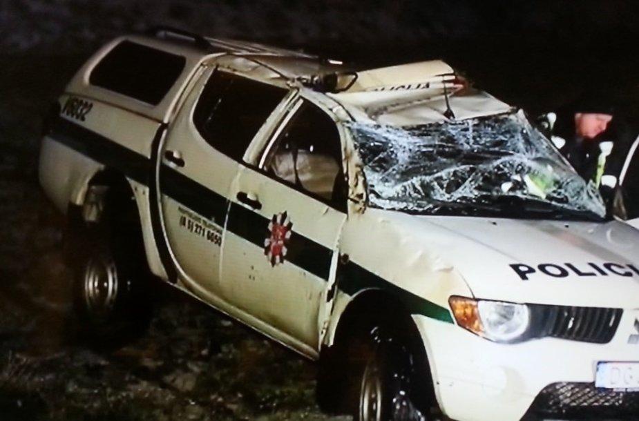 Policijos visureigio avarija Vilniaus rajone 2015 m. vasario 01 d.