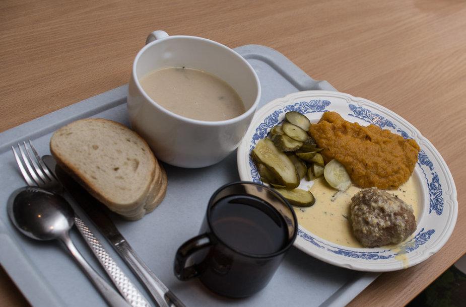 Oro gynybos bataliono kariai ragavo prieškario karinės valgyklos patiekalus