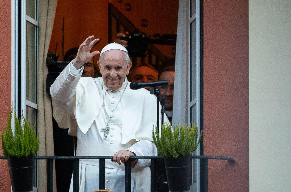 Popiežius Pranciškus atvyko į Apaštališkąją nunciatūrą