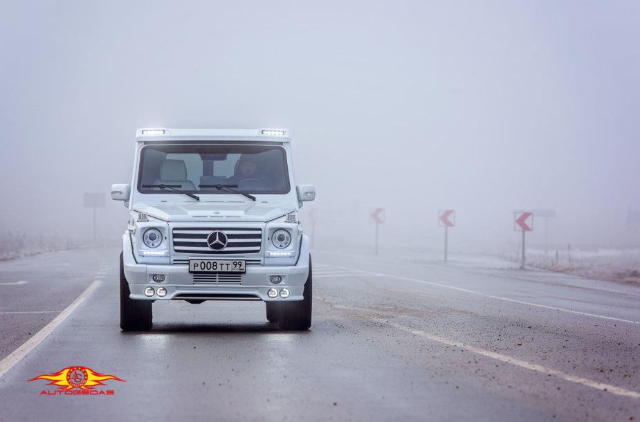 """Šiauliuose pagerintu """"Mercedes"""" važinės atlikėja Alsu"""
