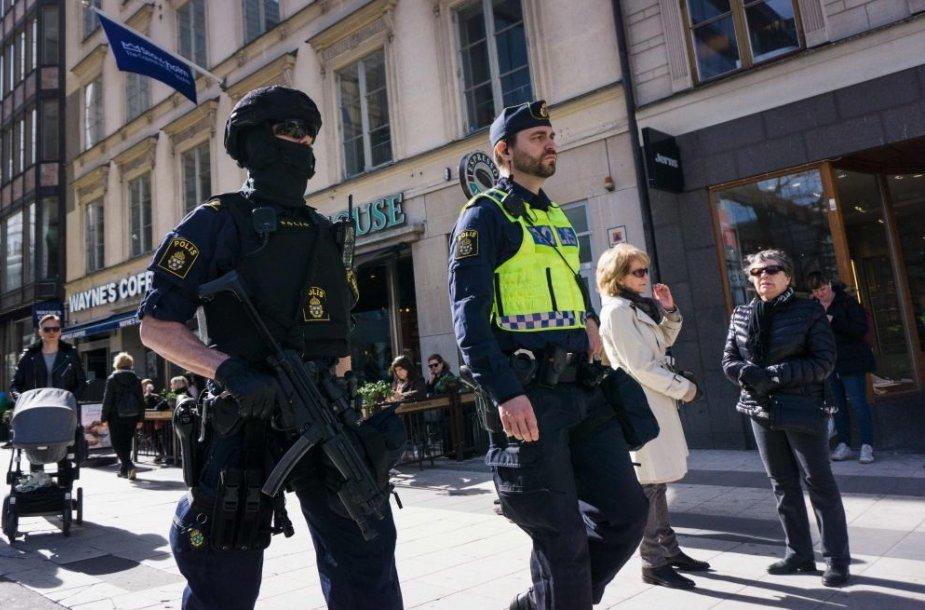 Švedija gedi teroro akto aukų