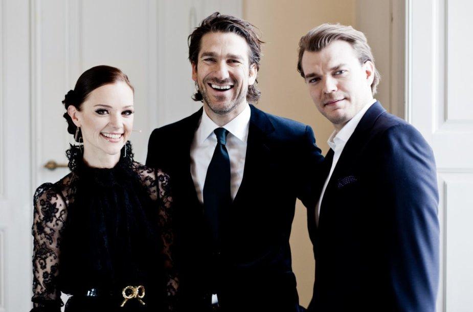 """2014-ųjų """"Eurovizijos"""" vedėjai Lise Rønne, Nikolajus Koppelas ir Pilou Asbækas"""