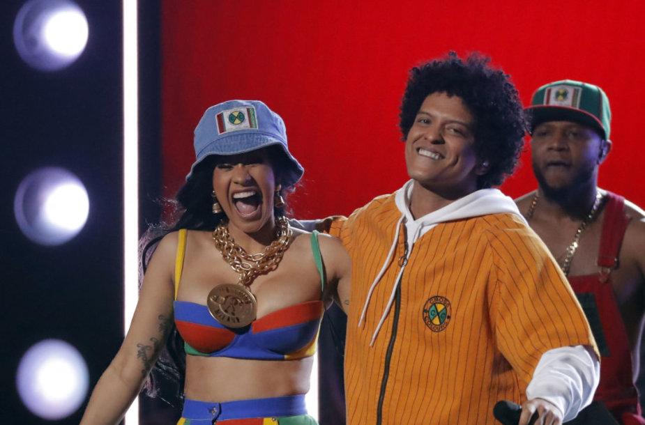 Cardi B ir Bruno Mars