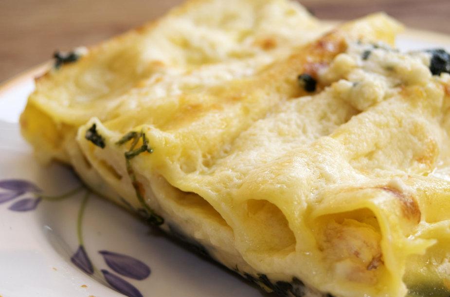 """Apkepas """"manicotti"""" su sūriu"""