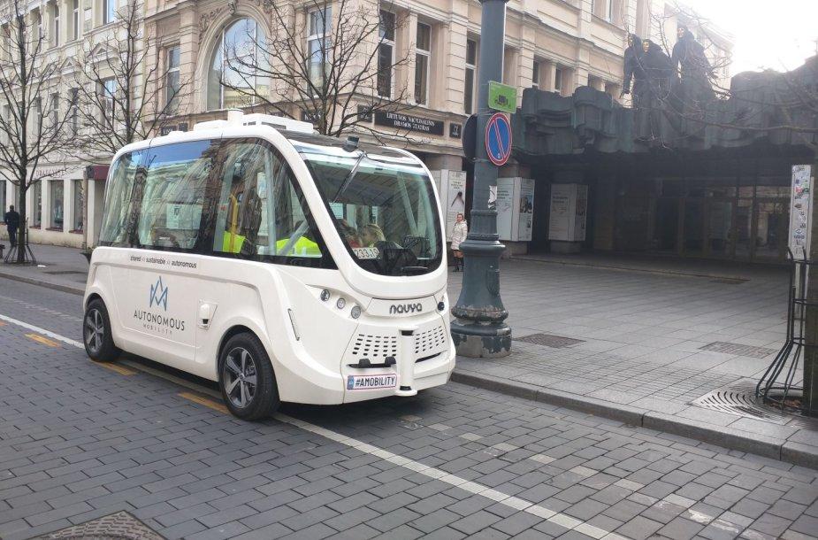 Autonominio automobilio bandymai