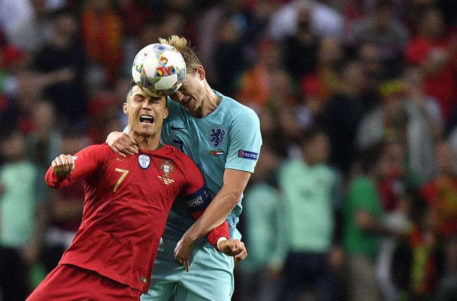 Cristiano Ronaldo ir Matthijsas de Ligtas