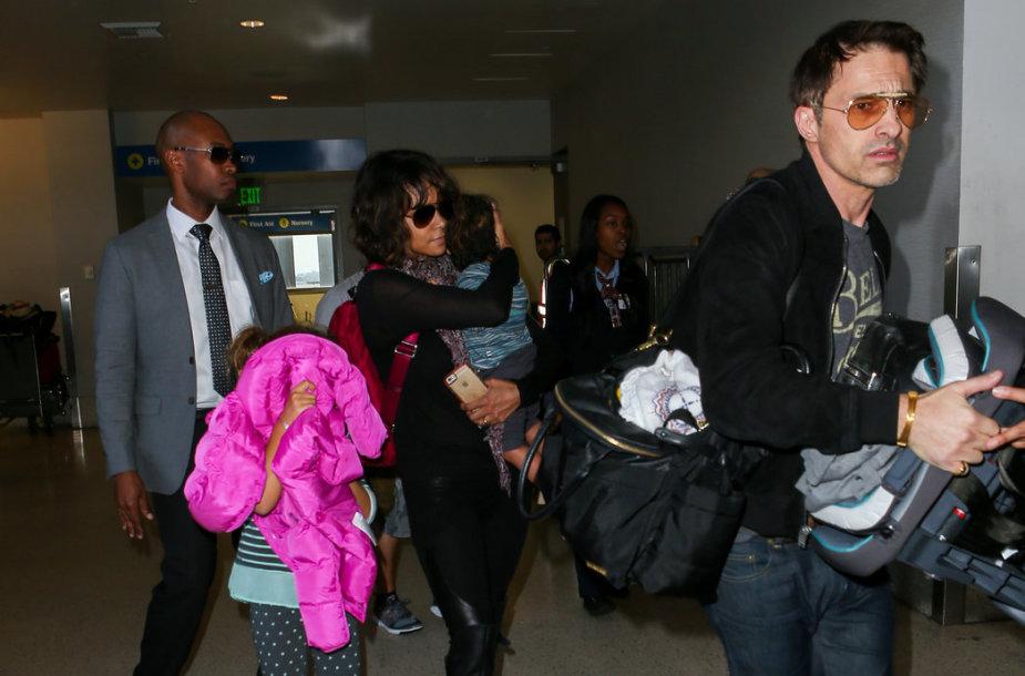 Halle Berry ir Olivier Martinezas su vaikais