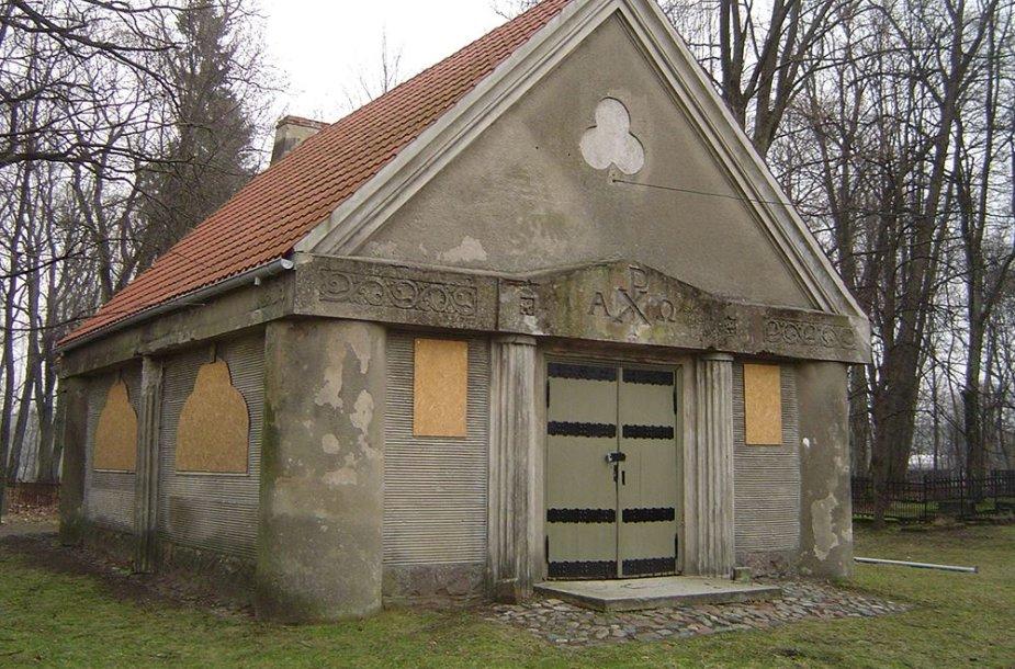 Šilutėje vandalai nuardė nuo koplyčios lietvamzdžius. Šiam įrengimui pinigų buvo paaukoję Vokietijoje gyvenantys tikintieji.