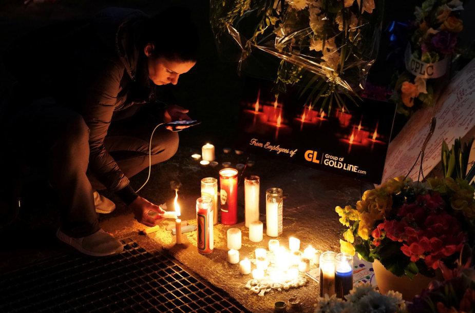 Toronte tūkstančiai žmonių pagerbė išpuolio aukas