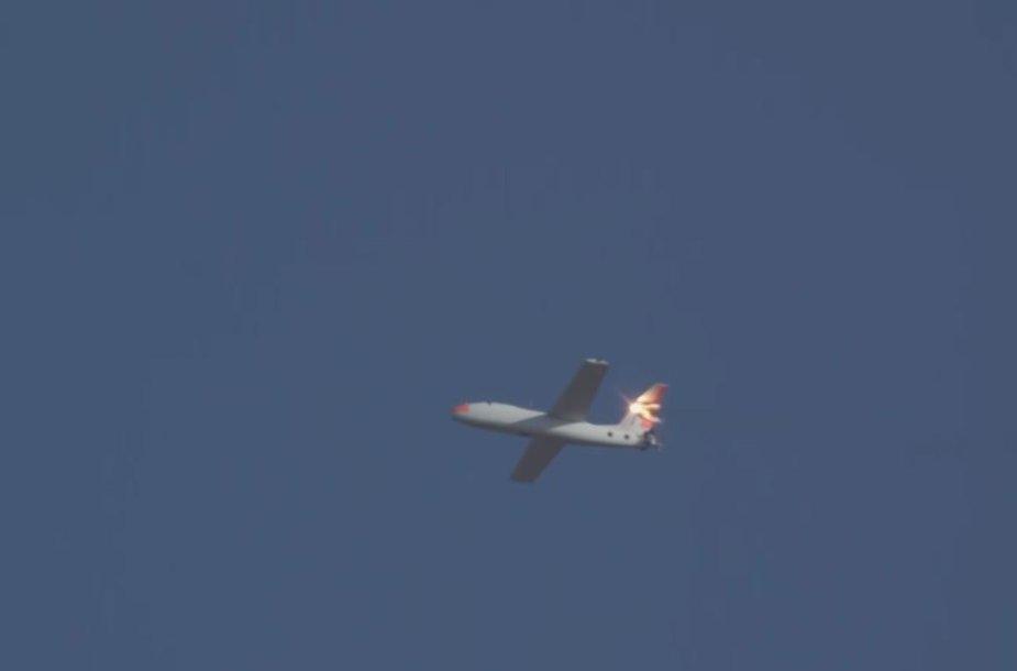 """""""Lockheed Martin"""" lazeris nupjovė beskrendančio orlaivio stabilizatorių"""