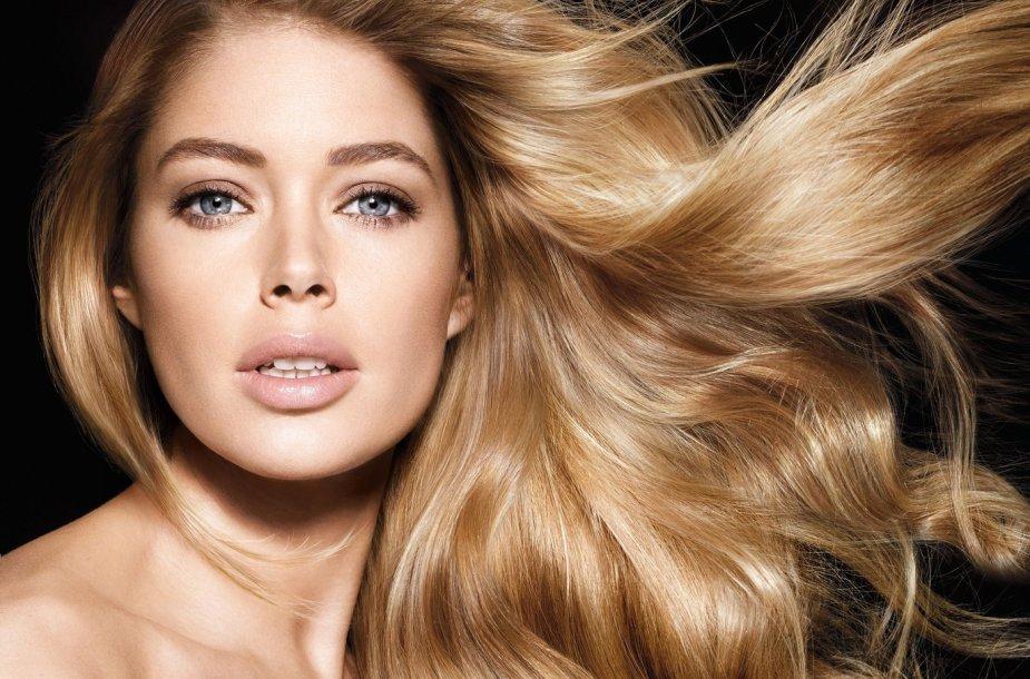 """Modelis Doutzen Kroes – """"L'Oreal Paris"""" veidas."""