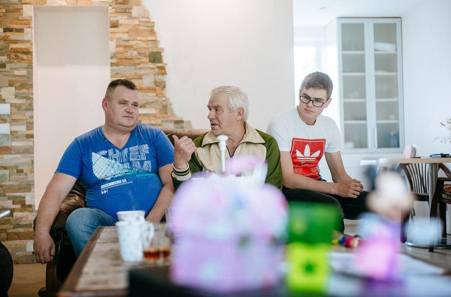 Trys Macelių vyrų kartos tariasi ūkio ir žvejybos klausimais