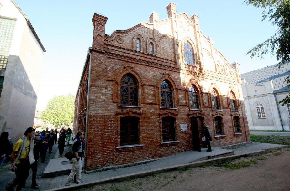 Raudonoji Joniškio sinagoga