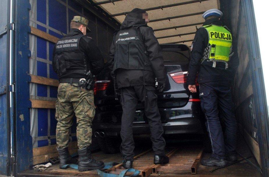 Lenkijos pareigūnai prie vogto BMW