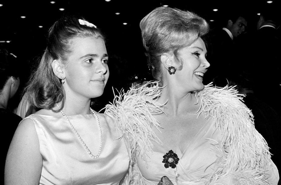 16-metė Francesca Hilton su motina Zsa Zsa Gabor (1963 m.)