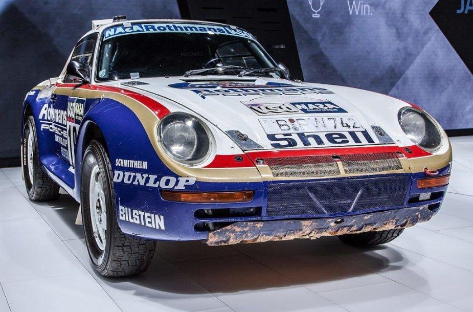 Porsche 959 savo šlovės valandos sulaukė 1986-ųjų Paryžiaus-Dakaro ralyje