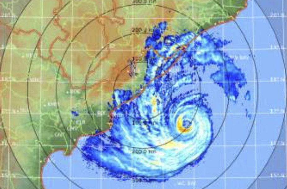 Indijos meteorologijos tarnybos išplatintas palydovinis ciklono Fani vaizdas