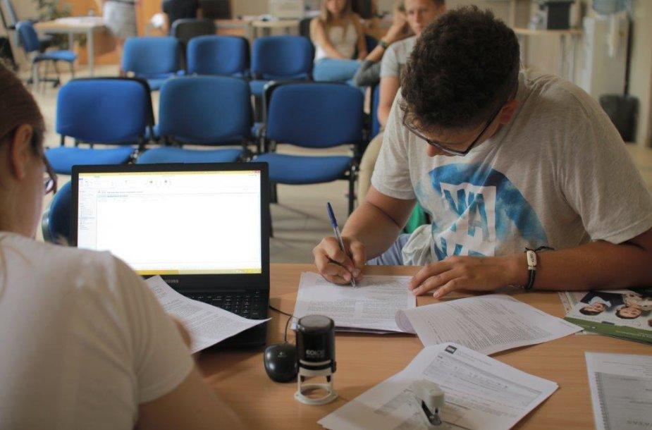 Studentų priėmimas ISM Vadybos ir ekonomikos universitete. ISM archyvo nuotr.