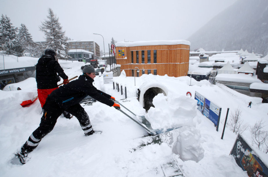 Alpėse – daugybė sniego