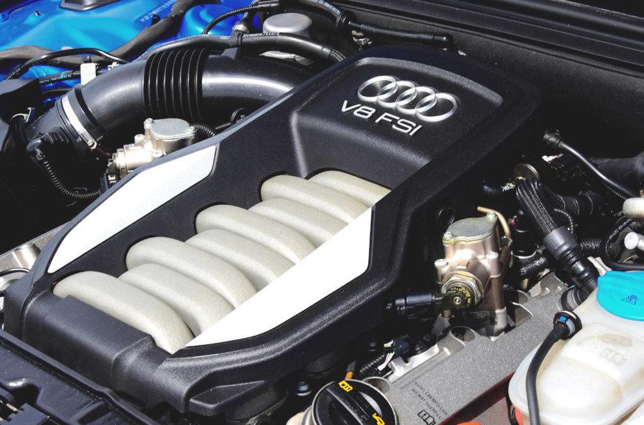 """Audi"" V8 variklis"