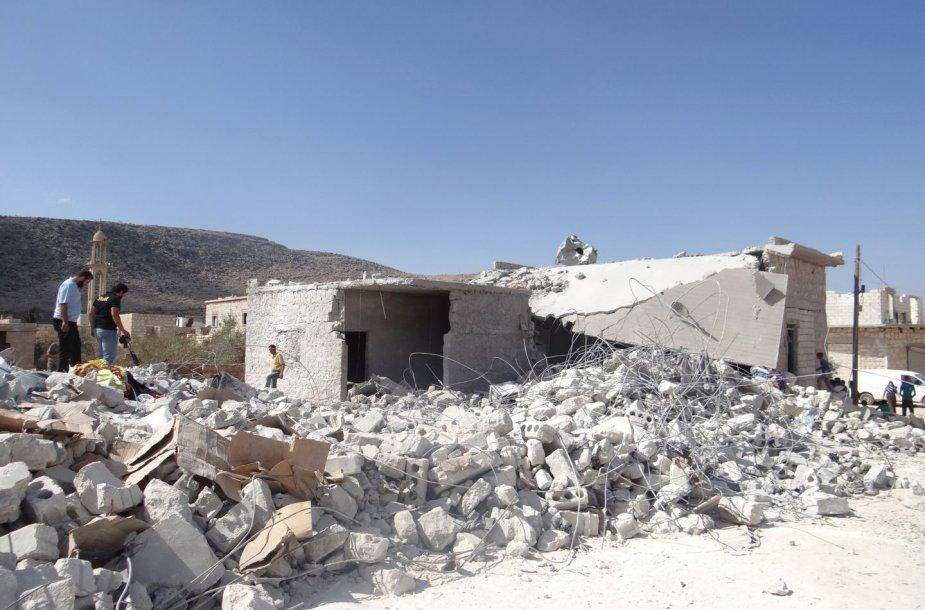 JAV surengė mažiausiai 13 antskrydžių prieš džihadistus Sirijoje