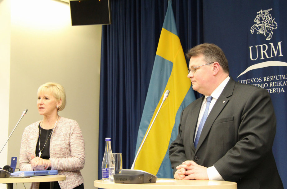 Švedijos užsienio reikalų ministrė Margot Wallstrom ir Lietuvos užsienio reikalų ministras Linas Linkevičius