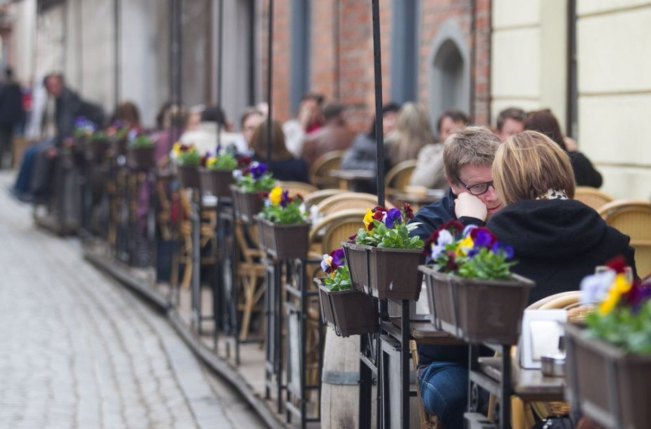Lauko kavinių sezono pradžia Vilniuje.