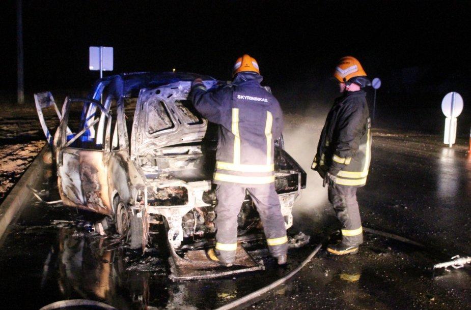 Automobilio gaisras Panevėžyje