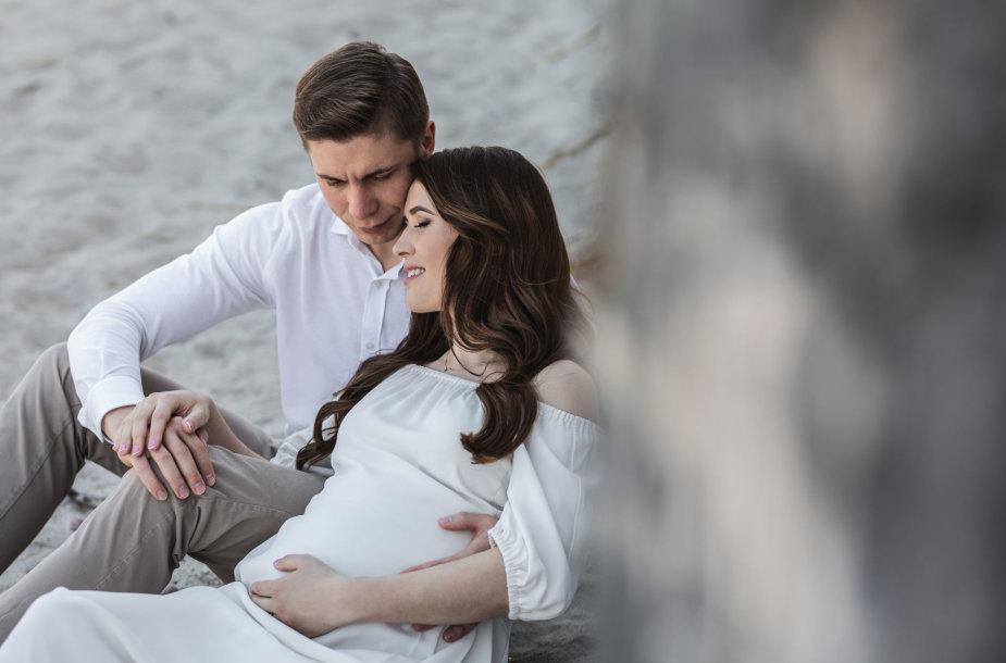 Jonavos mero M.Sinkevičiaus šeimoje – džiugios permainos, šeima laukia pirmagimio