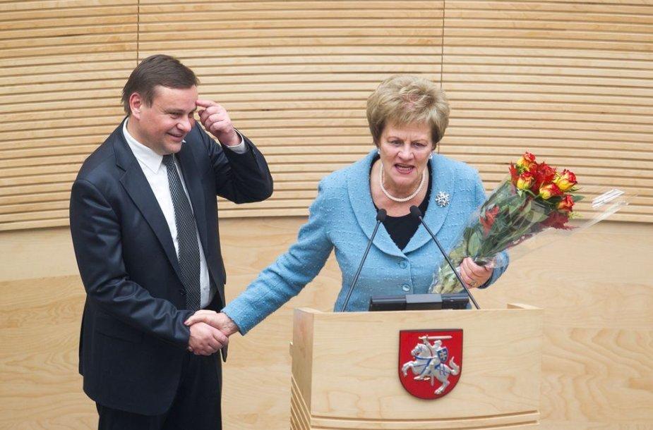 Išrinktą Seimo pirmininką Vydą Gedvilą sveikina Vida Marija Čigriejienė