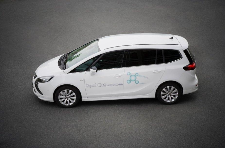 """Gamtinėmis dujomis varomas """"Opel Zafira Tourer"""""""
