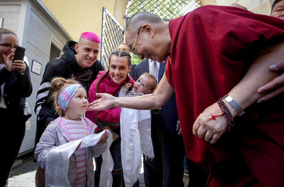 Dalai Lamos paskaitos svečiai – Donato Montvydo šeima