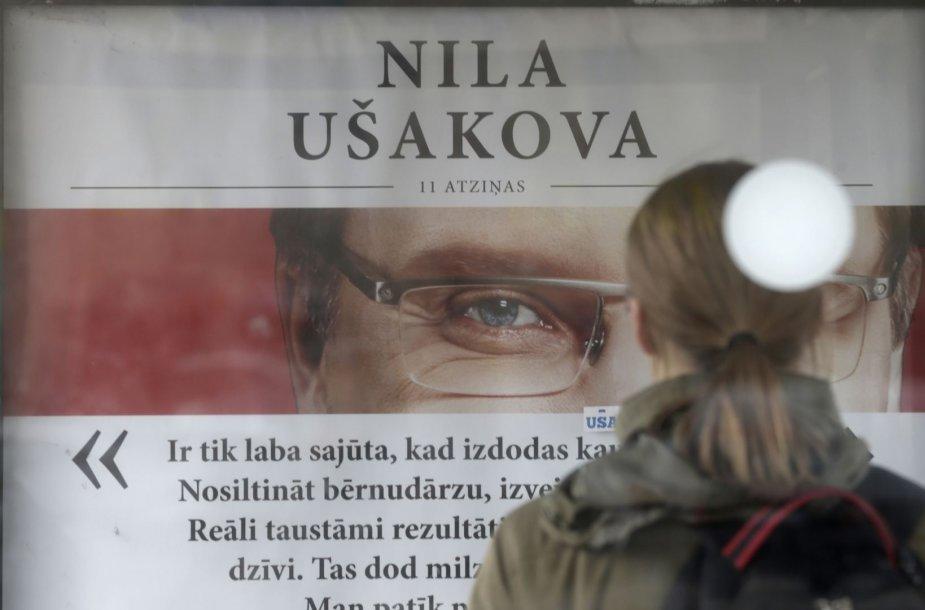 """""""Santarvės centro"""" rinkiminis plakatas Rygoje"""