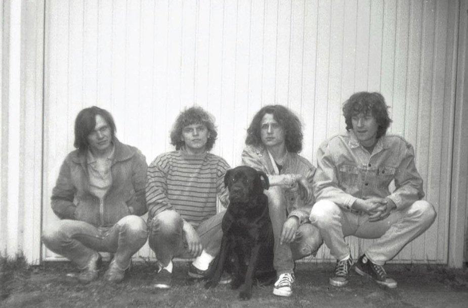 Grupės C.R.O.W nariai prieš pat išvykstant iš Lietuvos. Arvydas – pirmas iš dešinės.