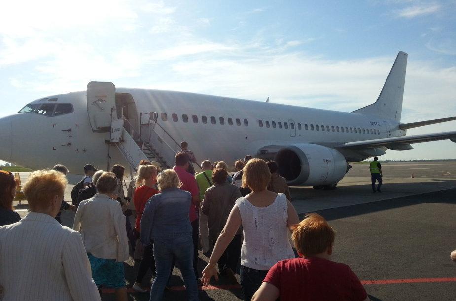 """Grand Cru Airlines"" lėktuvas ""Boeing 737–300"""