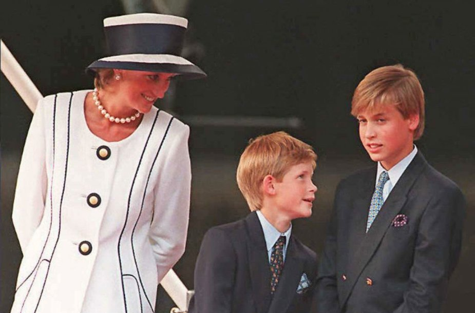 Princesė Diana, princas Harry ir princas Williamas (1995 m.)