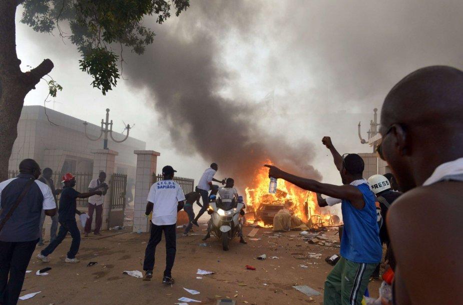 Protestuotojai Burkina Faso sostinėje