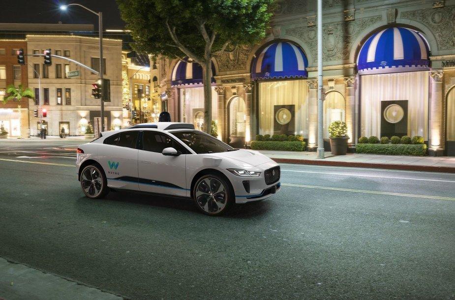 """""""Jaguar Land Rover"""" susivienijo su """"Waymo"""" – kurs autonominį elektromobilįĮ"""