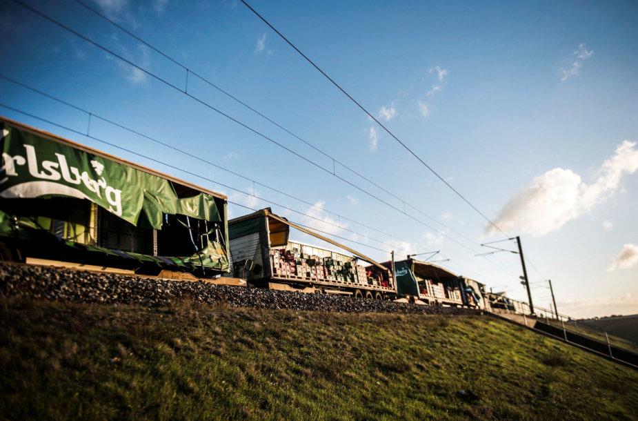 Prekinis sąstatas, į kurį rėžėsi keleivinis traukinys