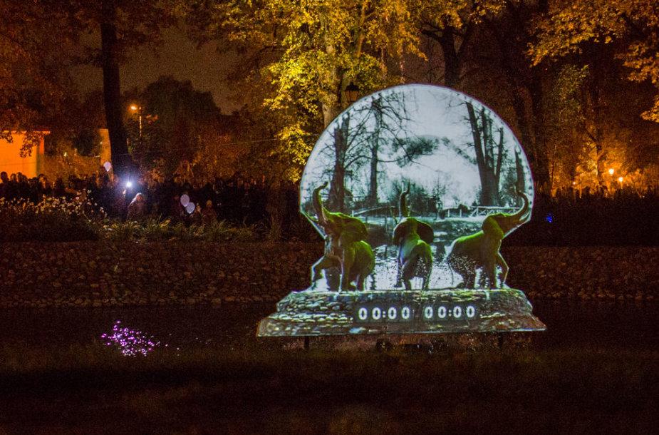 Bernardinų sodą užliejo šviesos instaliacijos
