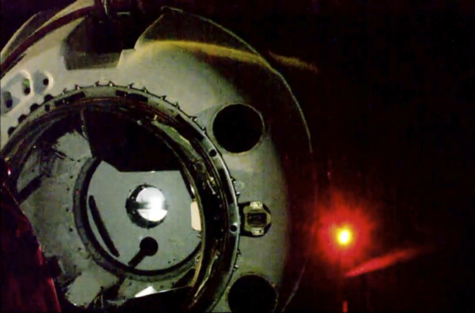 """""""SpaceX"""" kapsulė artėja prie TKS"""