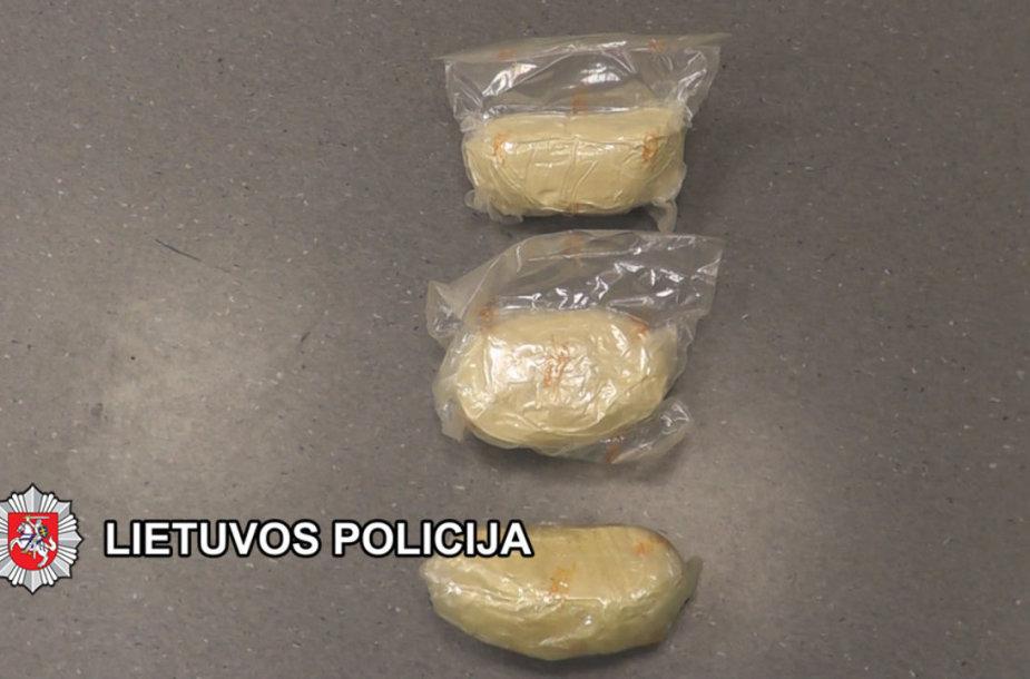 Klaipėdos apygardos teismą pasiekė byla dėl neteisėtų narkotikų pirmtakų, jų laikymo bei netikrų pinigų
