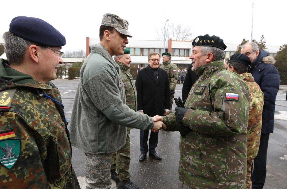 Bratislavoje atidaryta aštuntoji NATO vadavietė Rytų Europoje.