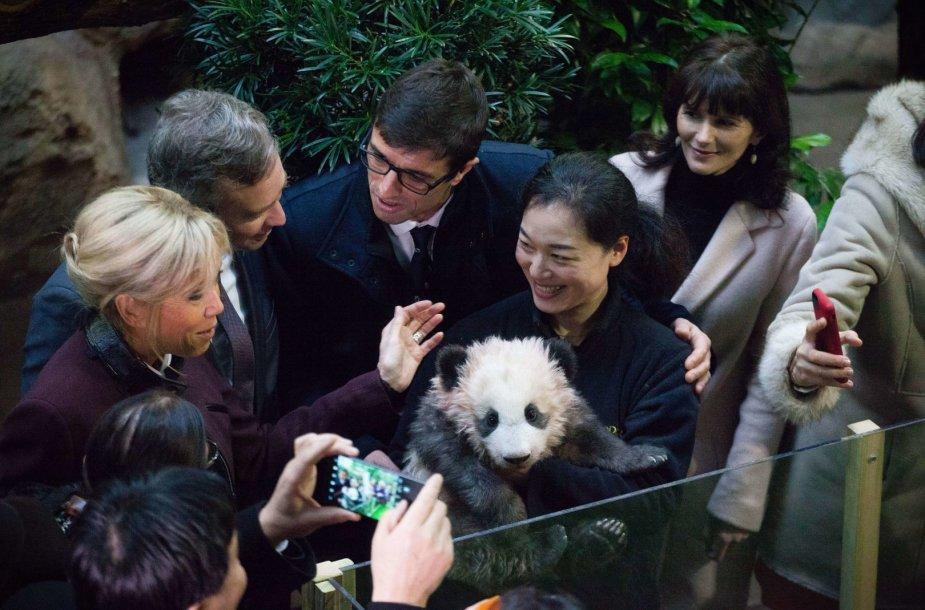 Brigitte Macron aplankė pandą