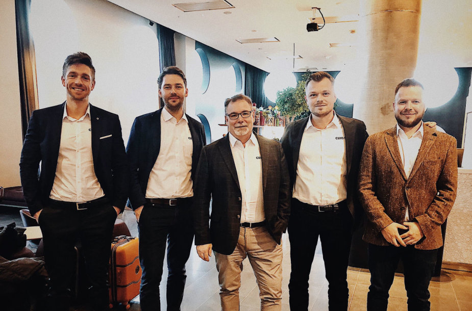 """CUJO Al"" verslo vystymo komanda su CEO Einaru von Gravrocku (antras iš dešinės)"