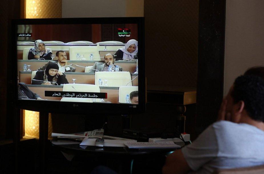 Žurnalistai laukia balsavimo rezultatų